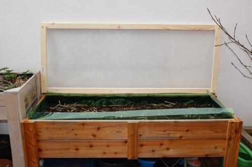 Schneckenschutz im Hochbeet